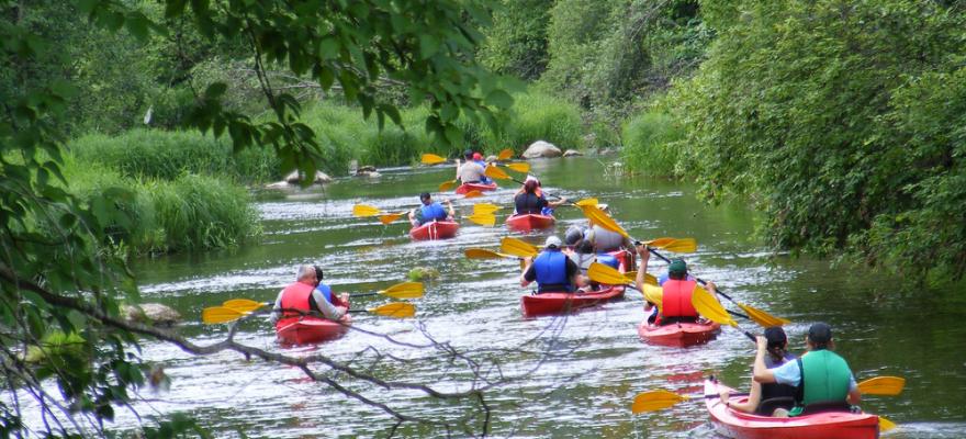 Patarimai plaukiant baidaremis upe