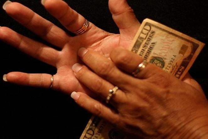 magija ir pinigai