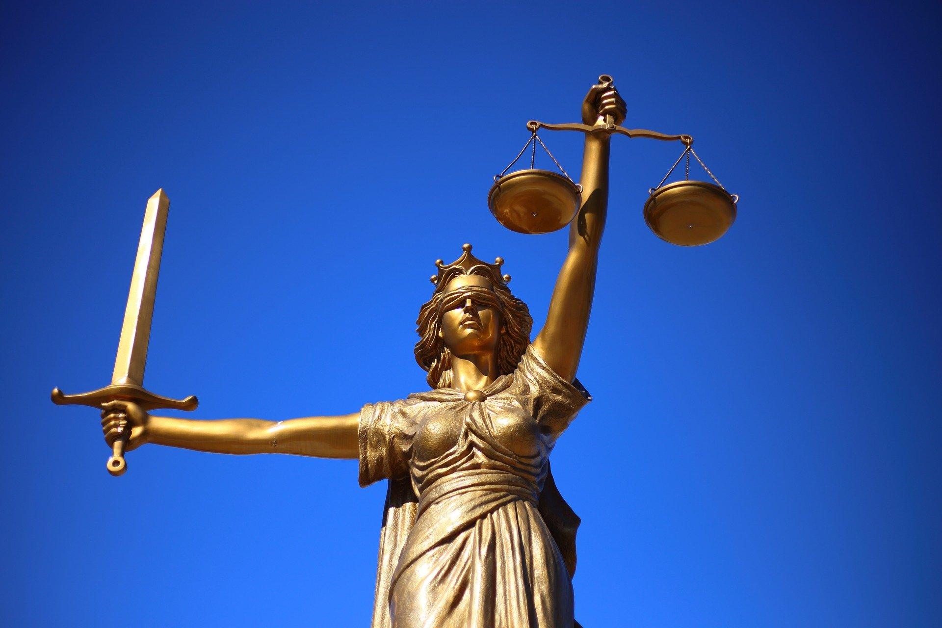 Skyrybų advokatai